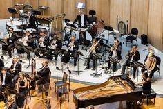 Músicos da OSB no Theatro Municipal do RJ. (Foto: Cicero Rodrigues) Claude Debussy, Jazz, Dj, Fair Grounds, Concerts, Composers, Photos, Jazz Music