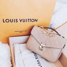 fa65cee0c413 VSCO - luxuryculture Purses And Handbags, Tote Handbags, Prada Handbags,  Louis Vuitton Purses