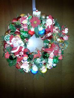 Kitschy Vintage Christmas Wreath, SANTA, ELVES, SANTA, REINDEER & MORE