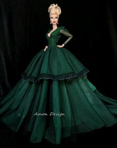 Green Gown, Amon-Design from Thailand, Couture Fashion, Royalty Silkstone Barbie Gowns, Barbie Dress, Barbie Clothes, Barbie Doll, Hello Barbie, Barbie And Ken, Fashion Royalty Dolls, Fashion Dolls, Green Gown