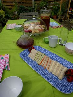 Given that it is the British Grand Prix and the Wimbledon finals… Picnic Blanket, Outdoor Blanket, British Grand Prix, Great Britain, Afternoon Tea, Recipes, Food, Essen, Eten