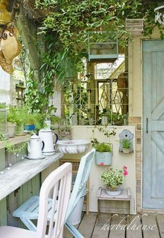 Ideal Garden Shed Designs For Your Garden Area Garden Huts, Garden Nook, Cottage Garden Design, Outdoor Rooms, Outdoor Living, Dream Garden, Home And Garden, Greenhouse Interiors, Shed Design
