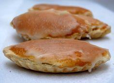 Recuperando postres de antaño Spanish Desserts, Fun Desserts, Dessert Recipes, Kitchen Recipes, New Recipes, Cooking Recipes, Favorite Recipes, Beignets, Muffins