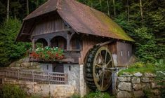 Free photo Mill Water Power Waterwheel Water Water Mill Old - Max Pixel House Floor Design, Water Powers, Water Mill, Cabin In The Woods, Cozy Cabin, Le Moulin, Beautiful World, Nature Photography, Home And Garden