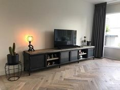 # industriële TV-meubels # - hand made by hal 5 Metal Furniture, Industrial Furniture, Long Tv Unit, Black Tv Unit, Sweet Home, Long Walls, Tv Unit Design, Home And Deco, Game Room