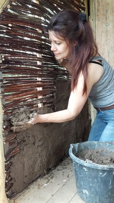 Best 12 Wattle 'n daubing a newly built compost toilet. Costs nothing but time, and the satisfaction level is stratospheric Cob Building, Green Building, Building A House, Wattle And Daub, Earth Bag Homes, Earthship Home, Mud House, Casas Containers, Natural Homes