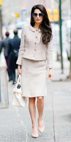 Look of the Day- Forget all those rules about being too matchy matchy. Amal Clooney proved how chic wearing one colour can be with a nude vintage Chanel suit, a Roger Vivier bag, and Jimmy Choo pumps.