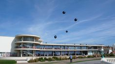Great installation for Fiona Banner's art exhibition at the De La Warr Pavilion in Bexhill #art #inflatables http://www.dlwp.com/event/fiona-banner