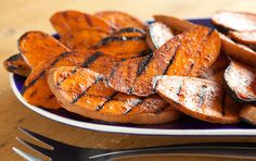 """BBQ SWEET POTATOES: 1 lb sweet potatoes, cut lengthwise into ¼"""" slices  1 tbsp Worcestershire sauce  1 tbsp red wine vinegar  3 tbsp ketchup  1 tsp chili chipotle powder  1/2 tsp black pepper"""