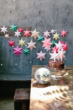 Paper flowers make the perfect party decorations. We have the perfect project how to make tissue paper flowers for the cutest DIY paper flower garland! 3d Paper Star, Paper Stars, 3d Star, Star Diy, Diy Paper, Paper Crafts, Diy Crafts, Blue Party Decorations, Star Decorations