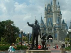 walt and mickey <3