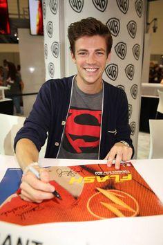 Grant Gustin at #TheFlash Comic-Con Signing 2014