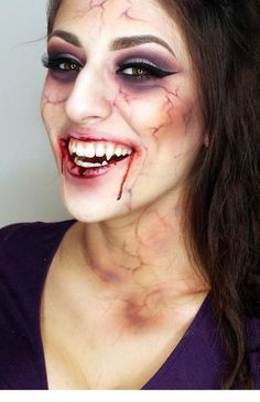 Gruseliges Vampir Make-up zu Halloween schminken Boo! Creepy Vampire make-up for Halloween makeup Creepy Halloween Costumes, Vampire Costumes, Cool Halloween Makeup, Halloween Makeup Looks, Halloween Looks, Halloween 2019, Vampire Makeup Looks, Halloween Party, Maquillage Halloween Vampire