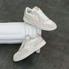 Nike Squash-Type Sail / Shimmer Credit : Asphaltgold — #nike #squash #sneakerhead #sneakersaddict #sneakers #kicks #footwear #shoes #fashion #style Sneaker Outfits, Converse Sneaker, Puma Sneaker, Latest Sneakers, Sneakers Mode, Custom Sneakers, Custom Shoes, Sneakers Fashion, Squash Types
