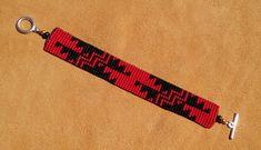 GRIZZLY. Basket Weave ontwerp. Yurok Karuk. Hupa. Bead Loom Bracelets, Bracelet Crafts, Jewelry Crafts, Jewelry Art, Bead Loom Patterns, Beading Patterns, Stitch Patterns, Native American Earrings, Native American Beading
