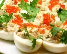 Œuf dur farci au thon et fromage blanc : http://www.fourchette-et-bikini.fr/recettes/recettes-minceur/oeuf-dur-farci-au-thon-et-fromage-blanc.html