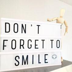 Soms moet je er even aan herinnerd worden... #lightbox #alittlelovelycompany…