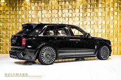 Rolls-Royce Cullinan by Mansory - Luxury Pulse Cars - Germany - For sale on LuxuryPulse. Rolls Royce Black, New Rolls Royce, Vintage Rolls Royce, Classic Cars British, Old Classic Cars, Rolls Royce Cullinan, Wide Body Kits, Forged Wheels, Head Up Display