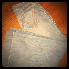 Old Navy High Rise Flat Front Jeans Old Navy high rise flat front jeans. Medium wash. Never worn. Size 16. Old Navy Jeans Flare & Wide Leg