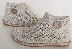 Handcrafted by GooseMountain on Etsy Crochet Shoes Pattern, Crochet Boots, Crochet Slippers, Crochet Baby, Knit Crochet, Crochet Mittens, Knit Cowl, Crochet Granny, Hand Crochet