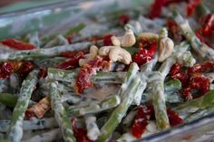 A family favorite raw vegan green bean casserole. Great if your wanting to make both raw and cooked options. Perfect as a side dish for any occasion. Nutrition Meal Plan, Pizza Nutrition Facts, Strawberry Nutrition Facts, Nutrition Articles, Nutrition Guide, Feta Cheese Nutrition, Vegan Green Bean Casserole, Greenbean Casserole Recipe