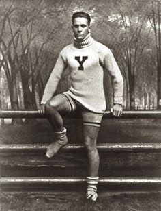 Hot Vintage Men: The Hot Jock from Yale Vintage Men, Vintage Love, Vintage Beauty, Vintage Fashion, Mode Masculine, Vintage Pictures, Vintage Images, Cthulhu, Photos Originales