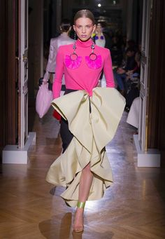 Valentino - Haute Couture Spring/Summer 2020 - Look 23