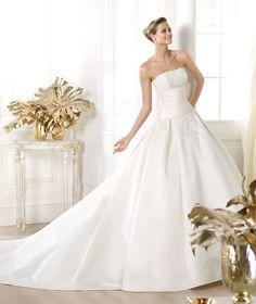 Pronovias te presenta el vestido de novia Laurain. Costura 2014. | Pronovias