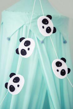Handicraft tips with endurance guarantee - myHome Panda Party, Panda Birthday Party, 2nd Birthday Party Themes, Animal Birthday, Birthday Diy, Birthday Ideas, Diy Panda, Panda Craft, Panda Decorations