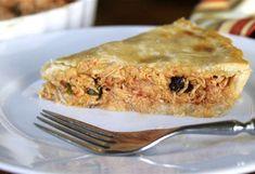 Aprenda a preparar pastel de gallina criolla | EL DEBER Pollo Tikka Masala, Chicken Tikka Masala, Pollo Recipe, Best Chicken Pot Pie, Pollo Guisado, Venezuelan Food, Cooking For Three, Gastronomia, Santa Cruz