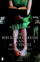 eBooktip: De bibliothecaresse van Auschwitz, een ontroerend waargebeurd verhaal over de moed van een jong meisje en hoe boeken mensen kunnen helpen in de verschrikkelijkste omstandigheden.   http://www.bruna.nl/boeken/de-bibliothecaresse-van-auschwitz-9789460236822