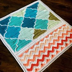 Find this pattern, based on mixing simple geometric prints in nursery decor HERE ❤️❤️❤️