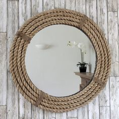 Fantastic DIY mirror frames that you can make yourself Do you have a desire to do things for yourself that everyone will admire? Check out our ideas for fantastic DIY mirror frames today that you c… Nautical Bedroom, Nautical Bathrooms, Beach Bathrooms, Nautical Home, Bathroom Mirrors, Wall Mirrors, Trendy Bedroom, Nautical Mirror, Diy Bedroom