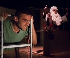 """Obra teatral """"Discordants"""". Fotografía extraída de http://retorcia.com/onewebmedia/DOSSIER%20CAT.pdf"""