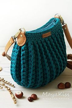 Newest Totally Free Knitted bags free patterns Strategies crochet bags; Crochet Handbags, Crochet Purses, Crochet Bags, Crochet Bag Free Pattern, Crochet Patterns, Mode Crochet, Knitted Bags, Knit Bag, Macrame Bag