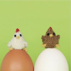 For Easter and just in general, because they're cute: how to knit tiny, tiny chooks.