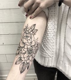 50 Chic And Sexy Arm Floral Tattoo Designs You Must Know - Page 37 of Floral Arm Tattoo, Floral Tattoo Design, Mandala Tattoo Design, Tattoo Designs, Tattoo Ideas, Floral Tattoo Sleeves, Girly Arm Tattoo, Popular Tattoos, Trendy Tattoos