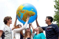 Lesmateriaal Unesco - thema's vrede, mensenrechten, intercultureel leren, wereldburgerschap, duurzame ontwikkeling Teaching Social Studies, The Time Is Now, High School, Classroom, World, Water, Seeds, Class Room, Grammar School