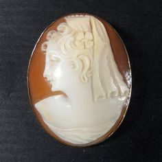 Victorian 14K Yellow Gold Framed Cameo Pin/Pendant