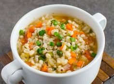 The super healthy recipe for barley soup very easy to make! - Are you tempted by a delicious healthy soup? Best Healthy Soup Recipe, Super Healthy Recipes, Clean Recipes, Vegetarian Recipes, Cooking Recipes, Clean Eating Soup, Eating Healthy, Barley Soup, Soups And Stews