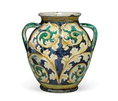 MONTELUPO MAIOLICA TWO-HANDLED DRY-DRUG JAR EARLY 17TH CENTURY side 2.