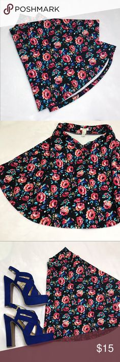 🌸 forever 21 floral skater skirt 🌸 this floral skirt is perfect for summer ☀️  would look adorable paired with these heels which are also for sale 💙 size small. might be a little short for some. i'm 5'5 and it's not too short (in my opinion 😋) it's stretchy, but would also fit XS. excellent condition, only worn once  ✨will consider reasonable offers ✨  💋 if you have questions, comments, or concerns please let me know! 💋 Forever 21 Skirts Circle & Skater