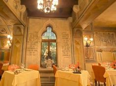 Inside of the restaurant #12 Apostoli in the heart of #Verona, very close to my #jewelery
