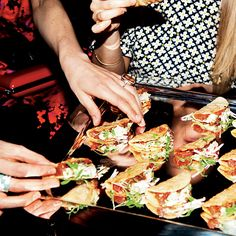 Style Inspiration: Cocktail Party. Tuna poke-wonton tacos. Photo: Jessica Craig-Martin.