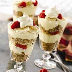 Banana Berry Pudding #Parfait from Crisco®