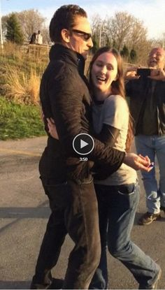 Omg I never thought Tom would be awkward with a hug....but this! His face reminds me if someone hugged Loki