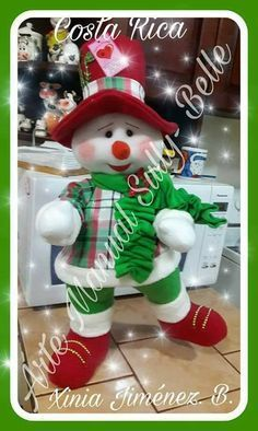 Transformes's media content and analytics Christmas Snowman, Winter Christmas, Christmas Crafts, Christmas Decorations, Christmas Ornaments, Holiday Decor, Snowman Crafts, Felt Crafts, Diy And Crafts