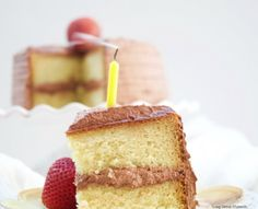This delicious Diabetic Birthday Cake Recipe has a sugar free vanilla cake with sugar free chocolate frosting. A decadent and tasty dessert for everyone! Diabetic Birthday Cakes, Birthday Cake Bakery, Best Birthday Cake Recipe, Diabetic Cake, Birthday Desserts, Diabetic Desserts, Diabetic Recipes, Healthy Desserts, Healthy Recipes