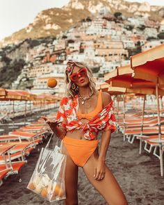 6 Vacation Outfits Inspired by Our Favorite Resort 2019 Looks 6 Urlaubsoutfits, inspiriert von unserem Lieblingsresort 2019 Source by . Sexy Bikini, Bikini Set, Bikini Swimsuit, Outfit Strand, Trendy Swimwear, Summer Looks, Look Fashion, 80s Fashion, Girl Fashion
