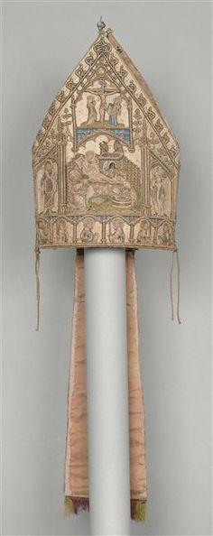 Embroidered mitre, ca. 1365-1380 . From: Trésor de la Sainte-Chapelle  (C) RMN-Grand Palais (musée de Cluny - musée national du Moyen-Âge) / Gérard Blot